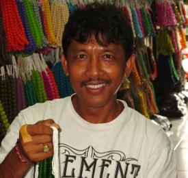 wayan-and-beads